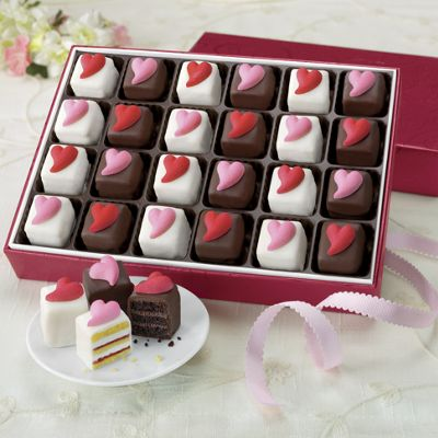 Sweetheart Petits Fours