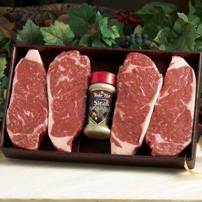 Cutting new york strip steak