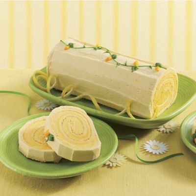 Lemon Swirl Log Cake