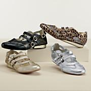Pearlized Sneaker