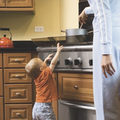 Childproof Adjustable Stove Guard