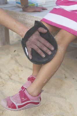 Sand-Off! Sand Removal Mitt