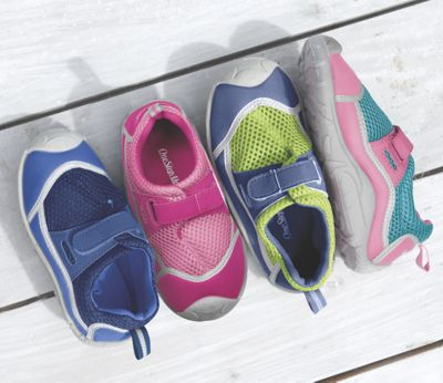 Kid's Stay-Put Adjustable Swim Shoes