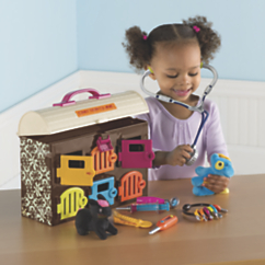 Critter Clinic Toy Vet Play Set