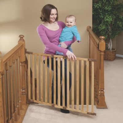 Angle-Mount Wood Safeway Baby Gate