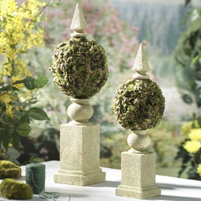 Set of 2 Moss Topiaries