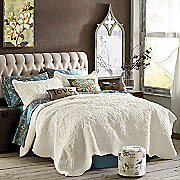 Plush Scalloped Coverlet Bedding & Sham
