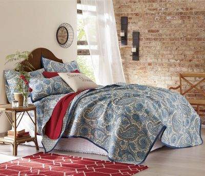 Santaney Oversized/Reversible Quilt, Sham and Sheets