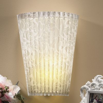 Battery-operated Wall Sconce