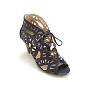 Monroe & Main Cutout Shoe