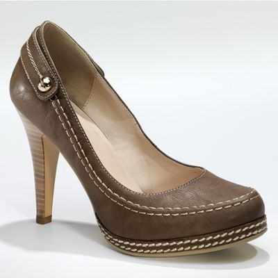 Monroe & Main Top Stitch Pump