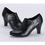 Crock Tip Shoe By Monroe And Main