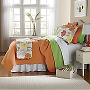 Bright Oversized Scallop Quilt & Sham