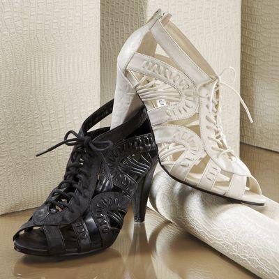 Classique Tie Front Shoe