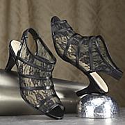 lace shootie by classique