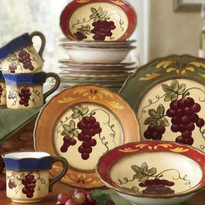 16-Piece Marciana Grape Dinnerware