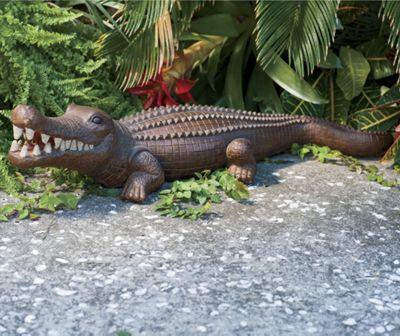 Lawn Deco Alligator