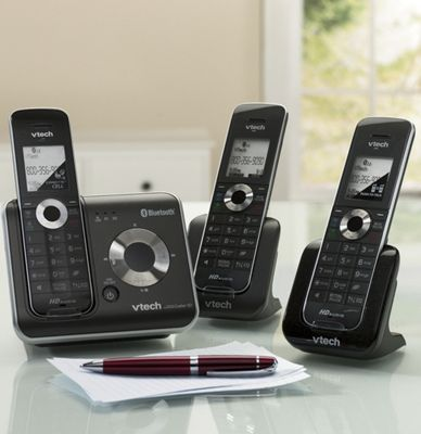 Vtech Set of 3 Cordless Phones And Additional Handset