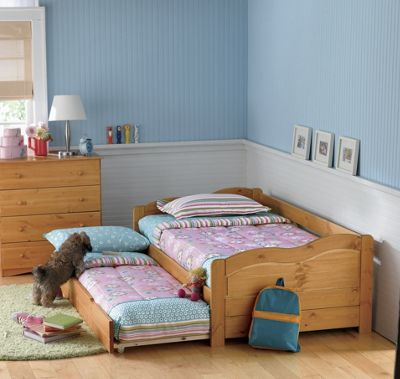 Solid Pine Daybed/Trundle Bed
