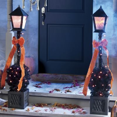 4-Feet Halloween Lamppost with Mini Lights