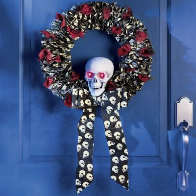 "18.5"" Skull Wreath with LED Lights"