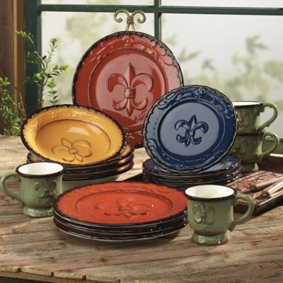 16-Piece Fleur-de-lis Dinnerware Set