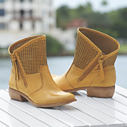 mantra boot by fergie
