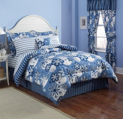 Snowflake Bed Set and Decorative Pillow