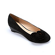 Double Rosette Wedge By Seventh Avenue