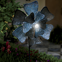Flower Solar Lighted Spinner