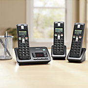 3 handset digital cordless phone and answering machine system by rca