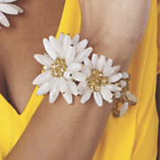 carly flowered stretch bracelet