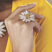 carly flowered stretch ring