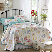 Villa Oversized Quilt, Sham and Pillows
