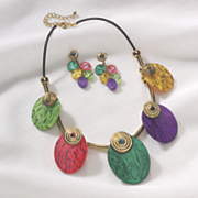 bright disc necklace