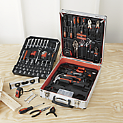 200 pc tool set with aluminum wheeled case