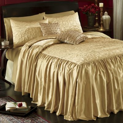 Gabrielle Coverlet and Pillow