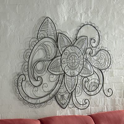 Wired Paisley Wall Décor