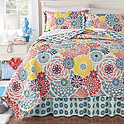 Sadie Quilt, Bedskirt and Sham