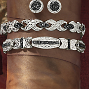 Bar Bow Bracelet