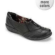 jennica shoe by soft style