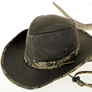 outback hat with mossy oak trim