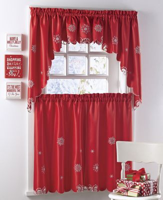 Sparkling Snowflake Tiers, Valance and Swag