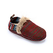 ammie serape slipper by muk luks