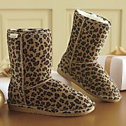 emma short boot by bearpaw