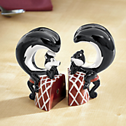 pepe le pew and penelope salt   pepper shakers