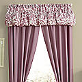Abstract Leaf Turnstyle Valance