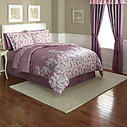 Abstract Leaf Turnstyle Complete Bed Set and Window Treatments