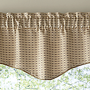 boxwood scalloped valance