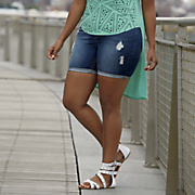 slim distressed girlfriend short